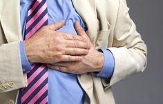Angina de pecho: cuando le falta oxígeno al corazón: El dolor en el pecho es uno de los síntomas más característicos de la angina de pecho.