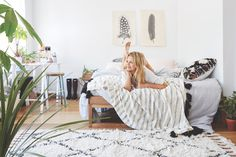 #UOonCampus Pin-Off: Win a UO Room Makeover!