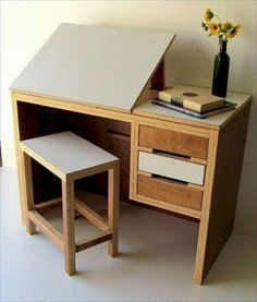 80 Amazing DIY Art Desk Work Stations Ideas and Decorations - Dıy Desk vintage Ideen