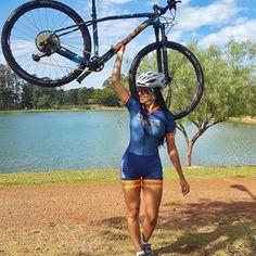 Precisa de legenda? 😍 SOUL KRAKATOA XX1 EAGLE GOLD @soul_cycles O que tem de mais top em uma bike só. Essa é da @lojabikesession 🔝 Macaquinho 🔝 @zbikewear disponível comigo! Mais dessa belezura no STORY . . . . . . . . . . . .#pedalar #bike #ciclista #ciclismo #morenadopedaloficial . #mtb #mountainbike #bikestagram #mundocliclismo #mundodasbikes #mtb #bike #garotabike #borapedalar #speed #sport #fitness #motivação #mundodasbikes #instamtb @cycling_queens @women_on_bikes @mundociclismo…