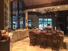 Amighini home decor and architectural style