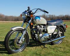 """1977 Triumph Silver Jubilee 750 Bonneville"""