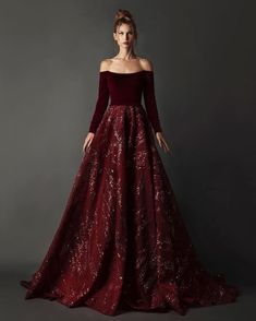 Only one style, and also you'll perceive why this salad is… Elegant Dresses, Pretty Dresses, Couture Dresses, Fashion Dresses, Fantasy Gowns, Royal Dresses, Fairytale Dress, Queen Dress, Beautiful Gowns