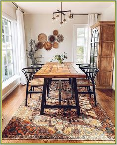 A mix of midcentury modern bohemian and industrial interior style Home and apartment decor decoration ideas home design bedroom living room dining room kitchen bathroom. Boho Dining Room, Industrial Interior, Bohemian Dining Room, Dining Room Design, Rustic Dining Table, Dining Room Table, Industrial Interior Style, Farmhouse Dining, Apartment Decor