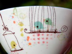 do fingerprints for the birdies Hand Painted Pottery, Pottery Painting, Ceramic Painting, Pebeo Porcelaine 150, Fun Crafts, Arts And Crafts, Box Container, Color Me Mine, Fingerprint Art