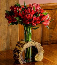 Hollow Log Wooden Flower Vase Rustic Flower Vase by LimbsAndTwigs # for . - Hollow Log Wooden Flower Vase Rustic flower vase by LimbsAndTwigs ideas decoration - Diy Wood Projects, Wood Crafts, Woodworking Projects, Projects To Try, Woodworking Furniture, Woodworking Lathe, Woodworking Classes, Woodworking Organization, Woodworking Equipment