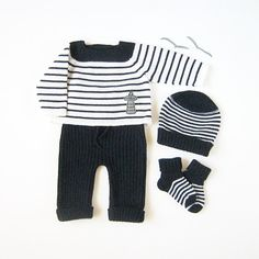 One of you guys needs to have a baby boy so i can buy this! Love it. hand knit nautical....etsy.....