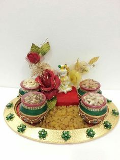 Super Fruit Basket Packing For Wedding 65 Ideas Thali Decoration Ideas, Diy Diwali Decorations, Indian Wedding Decorations, Fruit Decorations, Baby Shower Decorations, Engagement Decorations, Indian Weddings, Dry Fruit Basket, Dry Fruit Box