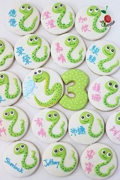 Snake icing cookies