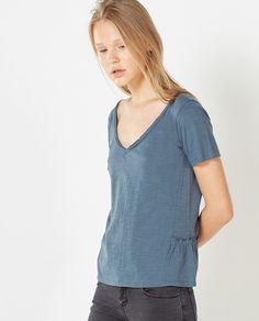 Camiseta de mujer Sfera con volante y cuello pico