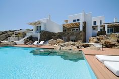 At VILLABEAT, we are happy to create tailored, luxury personalized holidays in Greece for you. Meet our unique luxury villas!