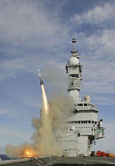 Un tir d'Aster 15 du Charles de Gaulle | Mer et Marine