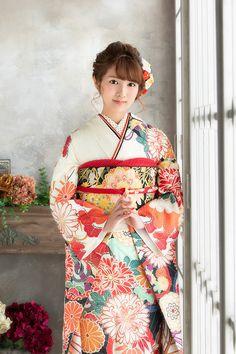 Japanese Costume, Japanese Kimono, Japanese Girl, Yukata Kimono, Kimono Fabric, Geisha, Kimono Design, Japan Woman, Traditional Dresses