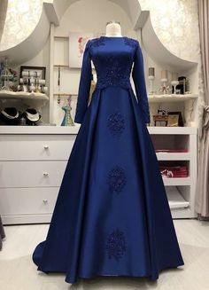 Workshop Dresses to Order> ladies-tailor. Hijab Prom Dress, Muslimah Wedding Dress, Muslim Dress, Prom Dresses Blue, Formal Evening Dresses, Evening Gowns, Wedding Dresses, Indian Wedding Gowns, Indian Gowns