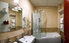 Con bañera-ducha de hidromasaje