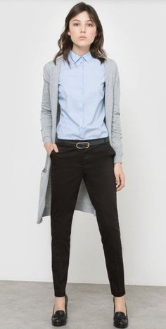 Spring Business Casual O… Light blue shirt+black pants+black pumps+grey cardigan. Spring Business Casual Outfit 2017 Get more photo about… Blue Shirt Black Pants, Black Pants Work, Blue Shirt Outfits, Black Pants Outfit, Nerd Outfits, Mode Outfits, Office Outfits, Black Jeans, Slacks Outfit