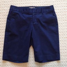 "Like New! Banana Republic Bermuda Shorts - Navy 98% cotton, 2% elastane.  10.5"" inseam.  In excellent condition. No trades. Banana Republic Shorts Bermudas"