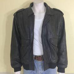 Men's Vintage Brown Leather Bomber Jacket   Warm Zip-In Faux Fur Lining. Size L.