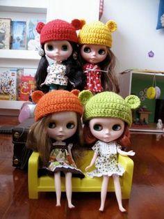 cute crochet teddy bear hat for Blythe <3