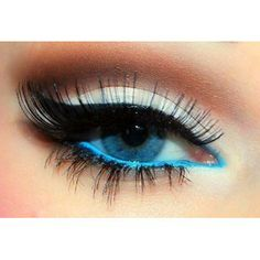 The right kind of eye make up can make a woman look gorgeous and desirable beyond words. Eye make up can be magical in the sense that it can make the same woman Sexy Eye Makeup, Kiss Makeup, Pretty Makeup, Love Makeup, Makeup Tips, Makeup Looks, Hair Makeup, Makeup Ideas, Eyeliner Makeup
