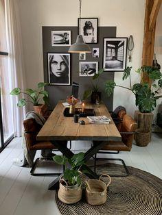 Small Apartment Interior, Home Interior Design, Living Room Inspiration, Home Decor Inspiration, Home Living Room, Living Room Decor, Design Retro, Style Deco, Dining Room Design