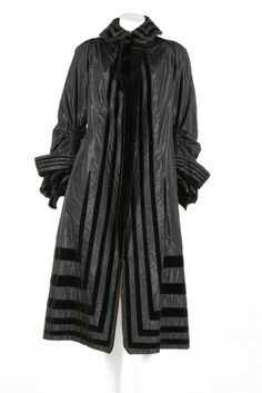 Paquin black taffeta and velvet coat, 1890s. with indistinct narrow label stamped in gold with '3 Rue de la Paix, Paris' address, the sleeves with gathered fullness at the elbow, adorned with bands of taffeta and velvet, lined in ivory satin 1890s Fashion, Victorian Fashion, Vintage Fashion, Antique Clothing, Historical Clothing, Historical Costume, Vintage Dresses, Vintage Outfits, Vintage Wardrobe
