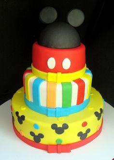 Bolo Mickey Mouse by Bololinho, via Flickr