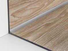 Resistant, versatile, cheap and customizable: do you know all the advantages of We discuss about it here! Treads And Risers, Sol Pvc, Tile Trim, Skirting Boards, Baseboards, Drywall, Dream House Plans, Vinyl Flooring, Tile Design