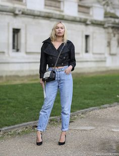 cropped top | #fashion #streetstyle | http://lkl.st/1vbWbKc | See more on https://www.lookli.st #Looklist