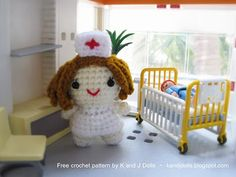Free amigurumi crochet pattern for a little nurse. What a perfect Christmas ornament for the nurse on your list!  ¯\_(ツ)_/¯