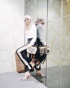 Hijab Casual, Ootd Hijab, Hijab Outfit, Hijab Fashion, Fashion Outfits, Womens Fashion, Prom Pictures, Boys Shirts, Outfit Posts