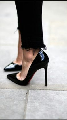 louboutin pigalle 100 - black patent high heel shoes