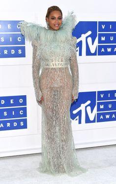 No te pierdas los más destacado de la alfombra roja de los MTV Video Music Awards 2016.  #MTV #Beyoncé #Premios #Musica #Cantantes