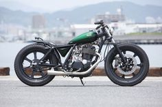 Heiwa's entry into the 2012 New Order Chopper Show in Japan was this low-slung, compact Yamaha SR400.