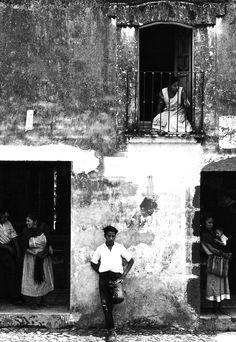 retablo de atlatlahucan, mexico, 1950-58    photo by manuel álvarez bravo,