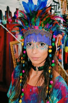 We have created a list of our top ten influencer's for festival outfits in order to inspire your crazy and creative festival looks. Crazy Hat Day, Crazy Hats, Music Festival Outfits, Festival Costumes, Festival Caps, Adult Face Painting, Costume Hats, Costume Zombie, Halloween Costumes