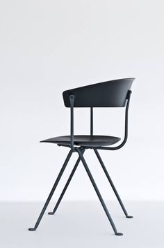 11-officina-chair-and-stool-by-ronan-erwan-bouroullec-for-magis.jpg (750×1129)