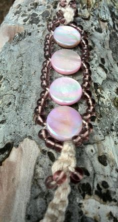 Pink shell bracelet  macrame by Jewelrymadebynature on Etsy, €21.40