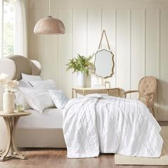 404 Not Found Shabby Chic Bedrooms, Shabby Chic Cottage, Shabby Chic Homes, Shabby Chic Furniture, Ruffle Quilt, White Coverlet, Cottage Living Rooms, California King, Bedding Sets