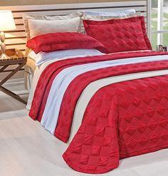 Lindo cobre leito bordado sulamita ônix disponível nos tamanhos Queen e king. Peça ideal para deixar seu quarto com todo requinte que você deseja.