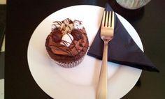 Rocky Road Cupcake @ Miss Zucker Rocky Road Cupcakes, Favorite Recipes, Drink, Desserts, Food, Tailgate Desserts, Beverage, Deserts, Essen