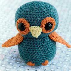 Sweet Amigurumi Patterns (Love this little owl) at...www.amigurumipatterns.net