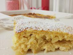 Germteig Buchteln mit Marmeladenfülle Baby Snacks, Hungarian Recipes, Hungarian Food, Strudel, Apple Cake, Street Food, Vanilla Cake, Sweet Tooth, Bakery