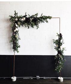 Alter / Cement / DIY / Wedding / Florals