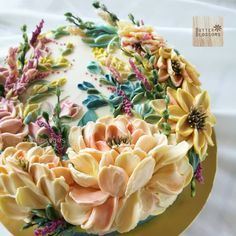 Like a painting? Sculpture painting Buttercream art made with the knife palette. Like a painting? Sculpture painting Buttercream art made with the knife palette. Gorgeous Cakes, Pretty Cakes, Amazing Cakes, Buttercream Flowers, Buttercream Cake, Frosting, Icing, Crazy Cakes, Fancy Cakes