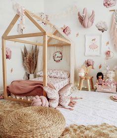 Camera per ragazze- Girl room inspo, # Ragazza Baby Bedroom, Baby Room Decor, Girls Bedroom, Baby Rooms, Big Girl Bedrooms, Little Girl Rooms, Modern Girls Rooms, Vintage Girls Rooms, Baby Room Design