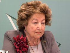 Antonia Heredia, homenajeada con el Acal de Honor 2018.  #archivos #archivistica #archiveras