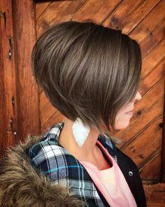 New Bob Haircuts 2019 & Bob Hairstyles 25 Bob Hair Trends for Women - Hairstyles Trends Short Hairstyles For Women, Short Haircuts, Stacked Haircuts, Hairstyles 2018, Trendy Haircuts, Layered Hairstyles, Medium Hairstyles, Hairdos, Braided Hairstyles
