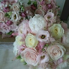 peoney roses and avalanche bridal bouquet