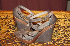 Aldo Gray Leather Gladiator Style Covered Wooden Wedge Sandals Size 38